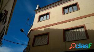 Casa en el centro de Cádiar (bajos comerciales y huerto)