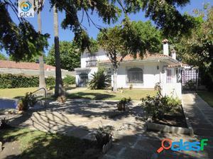 Chalet independiente en Guadacorte, piscina privada y acceso