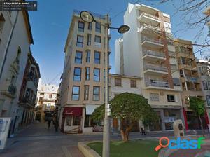 Local como oficina. Consta de 2 despachos, plaza Palomitos.