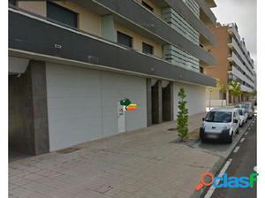 Local situado en Casa Plata- Maltravieso.