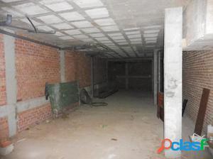 Alquiler de amplio local comercial de 157 m2 en Estación de