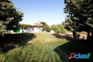Casa de campo con terreno junto al río Búrdalo
