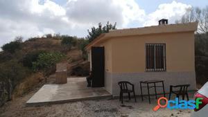 Venta de parcela de 8920 m2 con casa de apero de 60 m2.