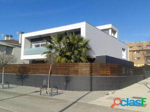 Casa o chalet independiente en venta en calle Carmen Conde
