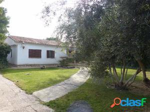 Casa o chalet independiente en venta en calle los Madroños,