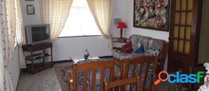 casa independiente en venta en calle mundris. 15. a ba?a