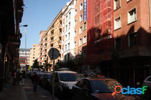 Plaza de Garaje en la calle Licenciado Poza 69