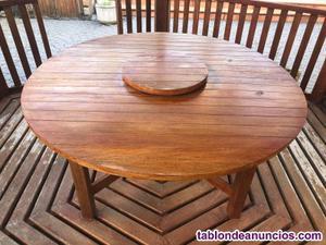 Se vende preciosa mesa de exterior de iroco