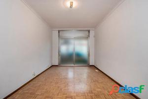 Piso de 4 habitaciones en Montmar bajo, muy céntrico. El