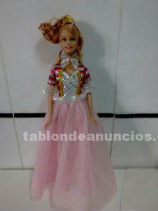 Se venden 3 preciosas muñecas con su ropa (juntas o