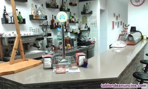 Bar restaurante pequeño y acogedor, factura bien