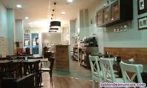 En traspaso panadería cafetería con terraza 3 mesas