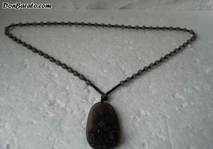 Precioso medallón de cristal con motivos budistas