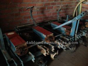 Se vende maquina de sembrar y bombas electricas de agua