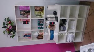 Se venden productos, material y mobiliario de peluquería