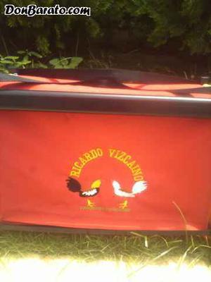 Transportines para gallos fabricados en aluminio.