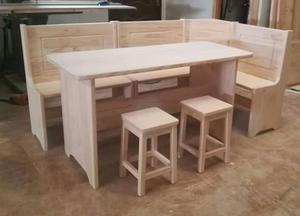 Conjunto de banco con mesa y dos taburetes