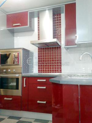 Muebles mostradores expositores mesas vitrinas madrid for Busco muebles de cocina de segunda mano