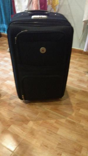 se vende juego de tres maletas en buen estado