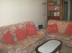 sofa en muy buen estado