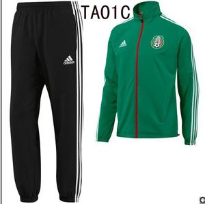 La nueva temporada de fútbol chándal y camiseta de AC