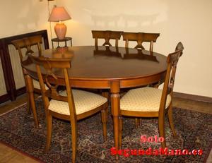 Mesa de comedor y 6 sillas de cerezo macizo.