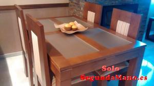 Mesa de salón y cuatro sillas