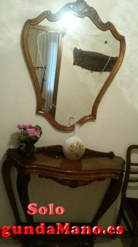 Mesa recibidor clasica espejo incluido.