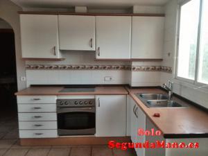 Muebles de cocina con horno y encimera
