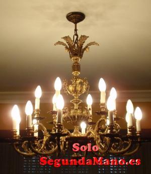 SE VENDE LAMPARA DE TECHO TIPO ARAÑA 18 LUCES