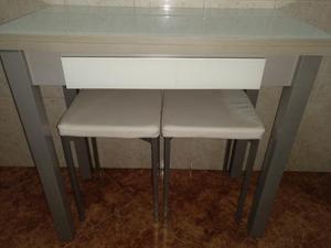 Se vende mesa de cocina + 2 banquetas