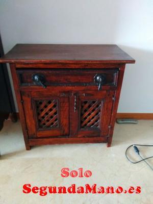 Se vende mueble bajo de madera para salón