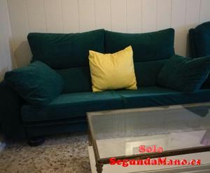 Se vende sofa de tres plazas y sillon