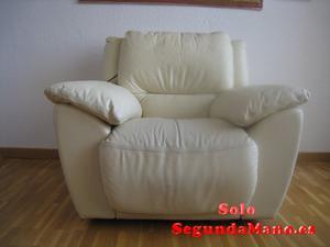 Vendo Sofá de piel, perfecto estado con mando para reclinar