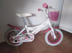 Bicicleta de la Kitty en perfecto estado