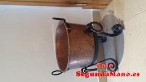 Caldero bronce con pie hierro
