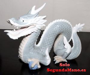 Figura antigua de porcelana japonesa
