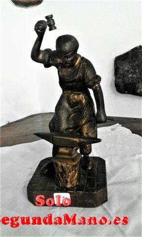 Figura de un Herrero trabajando, fundido en Bronce (199a)
