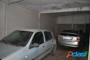Garaje (capacidad hasta 4 coches), Local en la zona centro