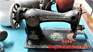 Maquina de coser antigua marca Singer (a)