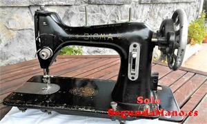 Maquina de coser marca Sigma muy cuidada (165a)
