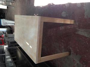 Mesas de madera maciza en color claro
