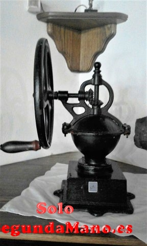Molino de Cafe grande antiguo, de hierro fundido (a)