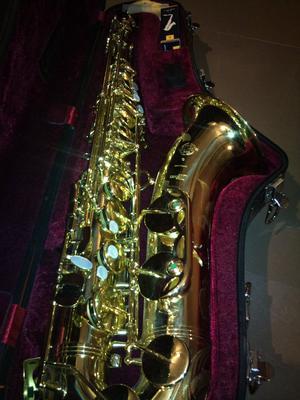 Ofrezco venta saxo tenor SELMER serie 3 - Madrid