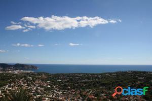 Parcela con vistas al mar en Moraira - Benimeit