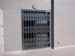 Persianas y cierres metálicos de seguridad para comercios -