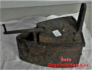 Plancha antigua de vapor en hierro fundido (a)