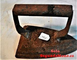 Plancha antigua en hierro fundido (a)