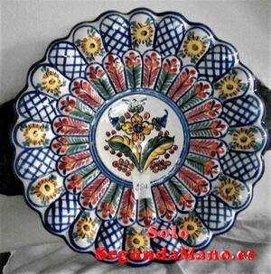Plato de colgar en Ceramica grande de la Cartuja (284a)