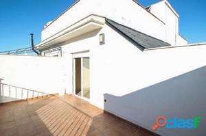 Precioso ático con gran terraza, prácticamente a estrenar,